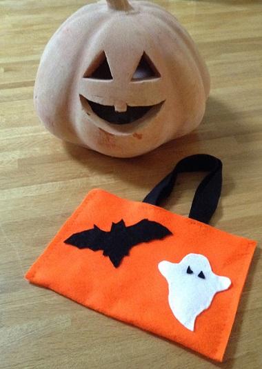 Sac halloween pochette bonbon diy - Comment fabriquer un sac a bonbon pour halloween ...