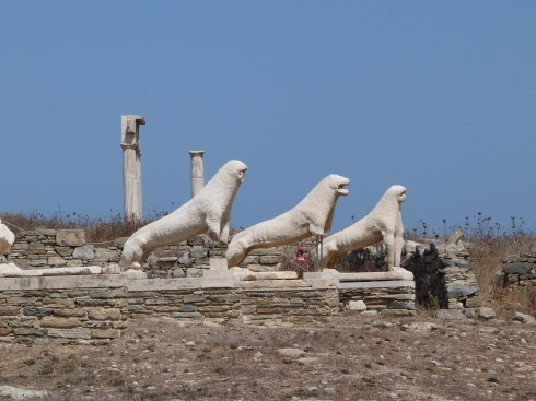 ile-delos-terrasse-lions